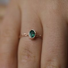 31 Strikingly Delicate Engagement Rings That Everyone Will Fall In Love...