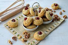 Biscuiti cu nuca – Biscuiti fragezi Biscuit, Sweets, Desserts, Recipes, Food, Tailgate Desserts, Deserts, Gummi Candy, Candy