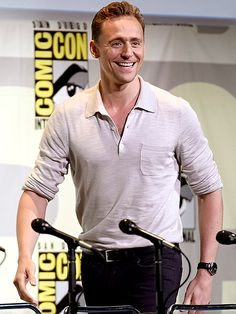 Tom Hiddleston at the Hall H panel for Kong: Skull Island at San Diego Comic Con, July 23rd 2016. Source hiddlestonredalert http://maryxglz.tumblr.com/post/147866902732/hiddlestonredalert-tom-hiddleston-at-the-hall-h