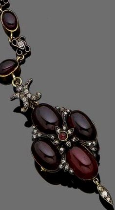1870 Gold and Garnet Necklace