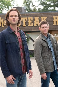 A Tribute to the Winchesters: The Most Badass Brothers on TV Sam And Dean Supernatural, Supernatural Bunker, Supernatural Pictures, Supernatural Fandom, Supernatural Interview, Supernatural Seasons, Jared Padalecki Brother, Jensen Ackles Jared Padalecki, Jared And Jensen