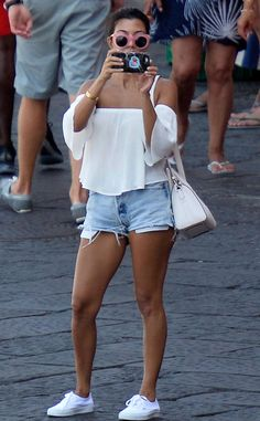 Kourtney Kardashian from The Big Picture: Today's Hot Pics  The E! star turns the camera on the paparazzi during her holiday in Ponza, Italy.