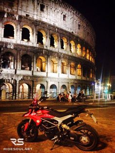 Only in Rome you can get this picture with your bike! #motorcycle #tour #italy