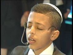 Fabulous Boy's Voice Singing 'King of all Kings'! in Hebrew (מלך מלכי המלכים בביצוע נדיר מחתן בר מצוה