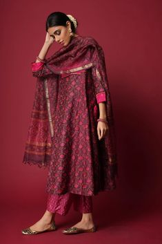 Ethnic Outfits, Indian Outfits, Indian Dresses, Pakistani Dress Design, Pakistani Outfits, Pakistani Bridal, Indian Attire, Indian Ethnic Wear, Traditional Fashion