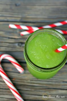 Here Comes the Sun: Holiday Punch Recipe {25 Days to an Organized Christmas}