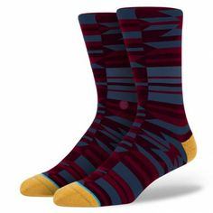 Stance's Thunder commands attention. While its crisp style turns heads, its luxurious combed cotton and deep heel pocket pleases feet. For additional durability—and to keep things comfy through the miles—this premium dress sock also sports a reinforced heel and toe. For a touch of class, slip on the Thunder.