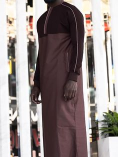 QL QT Thobe Kameez with long sleeves Collar with Zip & Long Sleeves Soft fabric & gentle on skin Logo Embroidery, Side Pockets Islamic Clothing for Men Arab Men Fashion, Muslim Fashion, Suit Fashion, Mens Fashion, Jubbah Men, Handsome Arab Men, Mens Kurta Designs, Islamic Clothing, Historical Clothing
