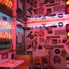 bedroom Sherry Echanis Neon Lights images from the web aesthetic bedroom Neon Lights Neon Aesthetic, Aesthetic Room Decor, Aesthetic Vintage, Aesthetic Plants, Aesthetic Black, Neon Room, Pink Room, Neon Light Bedroom, Retro Room