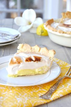 Making vegan meringue Lemon Pie with chick pea juice