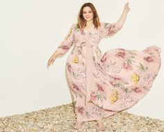 Melissa McCarthy Unveils A Vintage Inspired Fall 2016 Collection