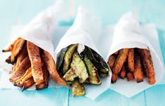 After tasting these guilt free Airfryer vegetable fries, you'll never crave junk food again! This healthy recipe is low in calories and tastes simply perfect. French Fries Recipe, Homemade French Fries, Healthy Fries, Veggie Fries, Vegetable Recipes, Vegetarian Recipes, Healthy Recipes, Yummy Recipes, Fried Vegetables