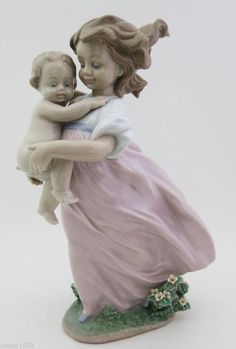 Lladro # 6681 ~ PLAYING MOM ~ 2000 Event Piece ~ Mint In Box