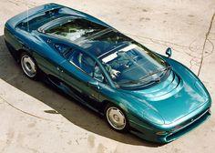 Photographs of the 1993 Jaguar Coupe. An image gallery of the 1993 Jaguar Jaguar Xj220, Classic Sports Cars, Classic Cars, James Bond, Supercars, Cars Vintage, Automobile, Jaguar Daimler, Car Manufacturers