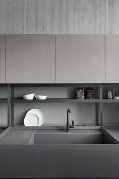 Open shelves for tableware and products