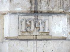 Cacería Tipográfica N° 275: Año 1941 en la esquina de una casona ubicada en el cruce de las calles Ancón y Misti, Yanahuara, Arequipa.