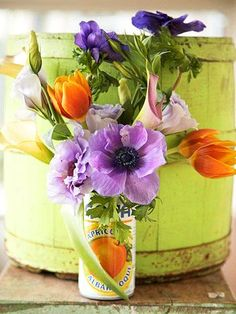 Learn how to create your own flower arrangements! More flower arranging inspiration: http://www.bhg.com/decorating/home-accessories/flower-arranging/