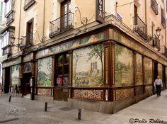 Villa Rosa Madrid (Spain) - Façade of mosaics