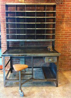 Postkast staal, origineel oud geschuurd en gepolijst, nu hopen dat wij deze kasten ook tegenkomen. www.werkplaats35.nl