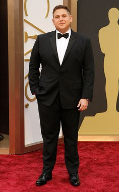 Jonah Hill in a traditional tux at the Oscars #TuxedoWatch