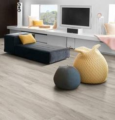 Koronavirus - MegaFlis.no Champs Elysees, Floor Chair, Flooring, Furniture, Home Decor, Homemade Home Decor, Wood Flooring, Home Furnishings, Floor