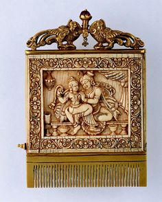 Ivory and gold comb with ruby knob (front) Karnataka, India; World Hair, Tribal Hair, Art Chinois, Vintage Hair Combs, Art Japonais, Ancient Jewelry, Vanitas, Objet D'art, Hair Ornaments