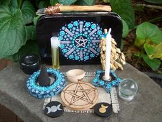 The Witch Is In — Travel altar/shrine ideas! You can use an altoid. Wicca Altar, Wicca Witchcraft, Wiccan, Every Witch Way, Tarot, Eclectic Witch, Altar Decorations, Wooden Jewelry, Book Of Shadows