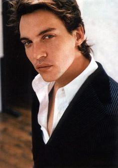 Jonathan Rhys Meyers ..why does this man have to be so unbelievably gorgeous! !!!