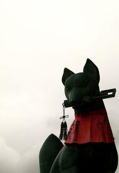 伏見稲荷 Fushimiinari-taisha Shrine,Kyoto お稲荷さんの狐は悪さをしません!