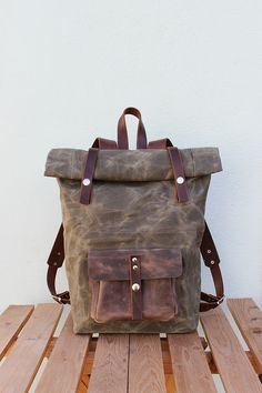 Backpack, Waxed Canvas Backpack, Waxed Canvas Rucksack, Waxed Canvas Bag, Bicycle Bag, Bike Bag, Rolltop backpack, Travel Bag, Brown Leather This waxed canvas backpack was handcrafted of: ✓...