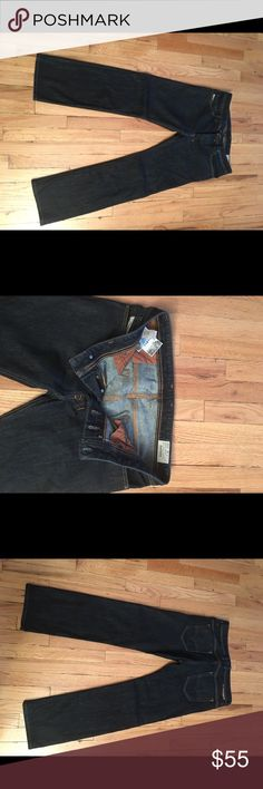 "Diesel Men's Jeans Size 32 Diesel Men's Jeans Size 32 Color Safado                                       Five-Pocket Belt Loop Bottom Fly Signature Logo Ribbon at Coin Pocket Brand Patch Featured at Back Waist                            Waist Measurement: 32"" Diesel Jeans Straight"