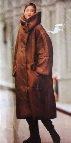 Vogue 1456 Issey Miyake FF Oversized Cocoon Coat 1990 SzL-XL.B38-44 Oversized, self-lined coat, lower calf, has convertible collar, collar band, dropped shoulders, flaps, welt pockets and two-piece longer than regular length sleeves.uncut 31.23+23.75 from AU 1bd 1/25/15