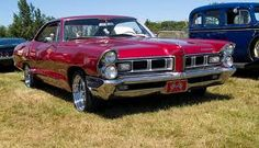 1965 Pontiac Grand Prix - Information and photos Trans Am Pontiac, Pontiac Lemans, Pontiac Cars, Pontiac Bonneville, Pontiac Firebird, Pontiac Tempest, Ride 2, Gm Car, Pontiac Grand Prix