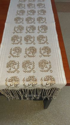 Table Runners, Projects To Try, Cross Stitch, Embroidery, Deco, Fabric, Art, Hardanger, Dots