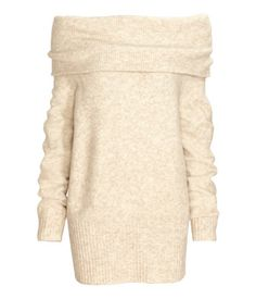 Long, off-the-shoulder sweater in soft, fine-knit fabric with wool content. Wide ribbing at top and at hem, and long sleeves with ribbed cuffs.
