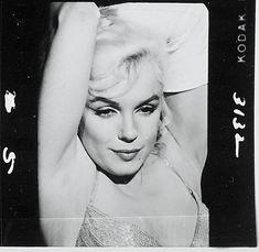 Photos promos de Let's Make Love - scene 8 - Divine Marilyn Monroe Marilyn Monroe Diamonds, Marilyn Monroe Life, Marilyn Monroe Photos, Lets Make Love, Let It Be, Greek Evil Eye, Model Magic, Love Scenes, Norma Jeane