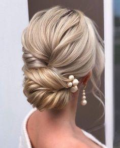 Bridal Hair Updo, Wedding Hair And Makeup, Hairstyle Wedding, Hairstyle Ideas, Elegant Wedding Hairstyles, Hair Ideas, Bridal Hair Pins, Updos For Wedding, Upstyle Wedding Hair
