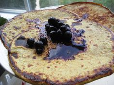 Mmmm Paleo: Quick and Easy Banana Pancakes