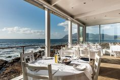 Whether you're after fish and chips by the sea or perfectly prepared peri-peri prawns, Cape Town is awash with seafood to suit all cravings and occasions. Best Seafood Restaurant, House Restaurant, Camps Bay Cape Town, Food For The Gods, V&a Waterfront, Boulder Beach, Breakfast Restaurants, Harbor House, Tasting Menu
