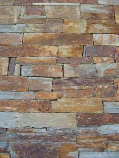 Muro pedra emparelhada Rustic Vanity, Hardwood Floors, Flooring, Vanities, Beach House, Stone, Photography, Airstone, Wall