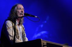 Supertramp singer forms unlikely partnership with French architect