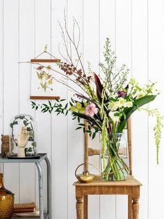 Bos bloemen op bijzettafel | happy flowers | Bloomon