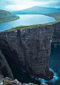 coiour-my-world: Lake Sorvagsvatn Faroe Islands 30m above the Ocean.