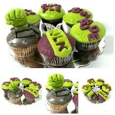 Para los fanáticos de Hulk aquí le dejamos una muestra que hicimos para complacer a un pequeño de la casa.  #cupcakes #cupcakegourmet #magdalenas #hulk #fondant #pzo #pzocity #ciudadguayana #igersguayana #adictoacupcakegourmet #entusmejoresmomentos #bakery #happybirthday #felizcumpleaños
