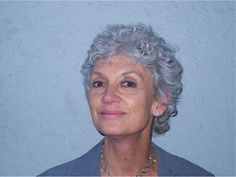 GRAY HAIR Silver Grey Hair, Gray Hair, Going Gray Gracefully, Grey Scale, Girls Be Like, Girl Stuff, Old Women, Natural Hair Styles, Hair Cuts