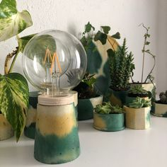 Hand made cement objects Natural Materials, Cement, Snow Globes, Objects, Vase, Handmade, Design, Home Decor, Bonito