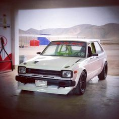 Toyota Starlet, Nissan 240sx, Toyota Cars, Japanese Cars, Jdm Cars, Honda Civic, Cars Motorcycles, Cool Cars, Old School