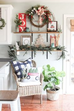 Christmas Kitchen 2018 with 40 more Christmas Home Tours!