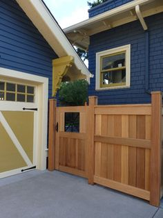 Traditional Exterior Photos Fences Design Ideas, Pictures, Remodel, and Decor - page 13
