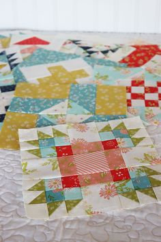 Moda Block Heads 3 - Block 53 Bear Cubs Around the Campfire 4'', 6'', 8'' & 12'' | A Quilting Life
